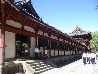 大仏殿の入り口.jpg