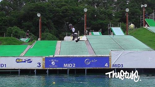 O-airウォータージャンプ「kumaスノーボードスクール2014」